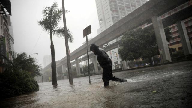 """Furacão Irma: """"O melhor que se pode fazer agora é rezar"""""""