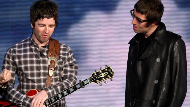 """Liam Gallagher ataca o irmão: """"Um vegetariano a tentar vender um kebab"""""""