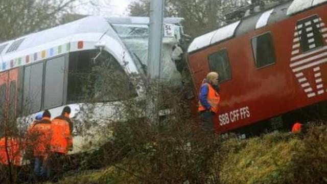 Suíça: Colisão de dois comboios faz cerca de 30 feridos