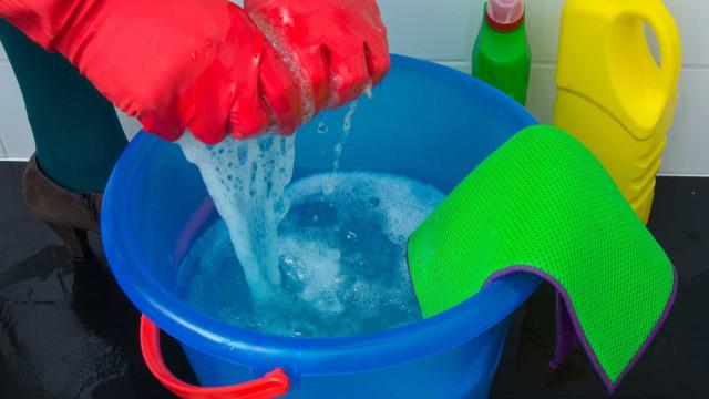 Lixívia e químicos de limpeza podem aumentar o risco de doença pulmonar