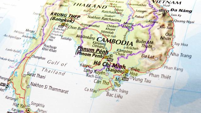 UE retira assistência às eleições no Camboja