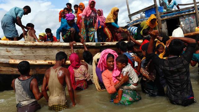 Cerca de 480 mil rohingya fugiram para o Bangladesh num mês