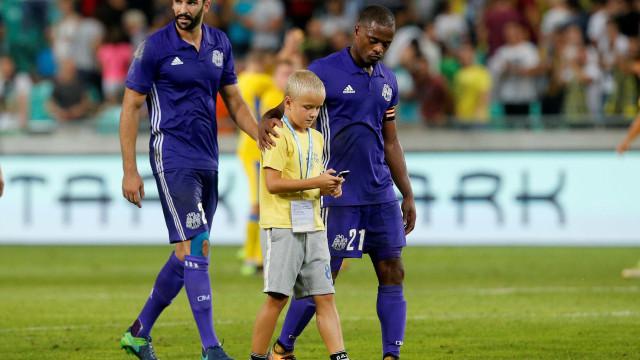 Patrice Evra ajudou vários sem-abrigo e o gesto está a correr o mundo