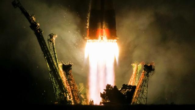 Soyuz MS-06 acopla com êxito na Estação Espacial Internacional