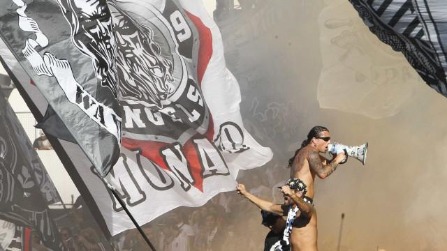 Vitória de Guimarães com multa avultada por comportamento dos adeptos