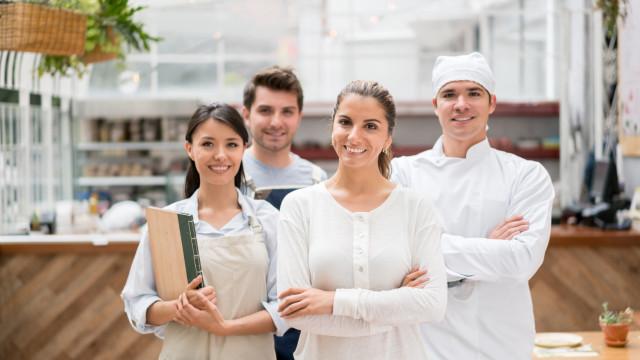 Truques que restaurantes usam para manipular os clientes. Esteja atento