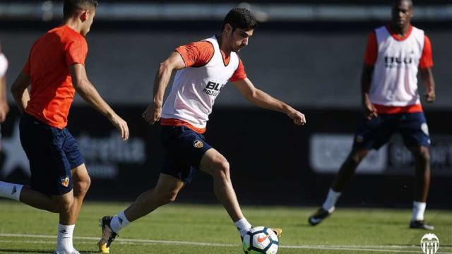 """Espanhóis falam em """"loucura"""" do Valencia por Gonçalo Guedes"""