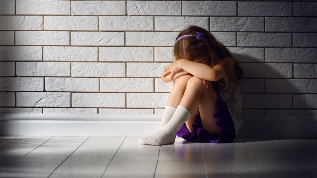 """""""Como faço para parar de chorar, mãe?"""", diz menina violada pelo irmão"""