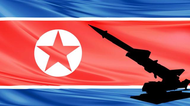 """NATO pede """"resposta mundial"""" após lançamento de novo míssil"""