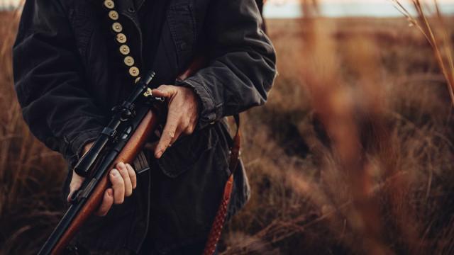 Caçador ferido com gravidade após disparo em Castro Daire