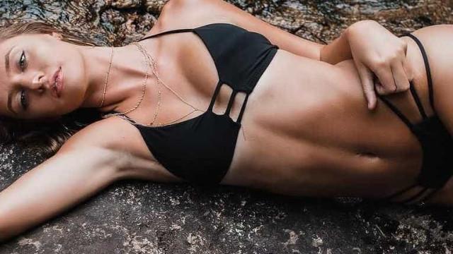 Alexis Bumgarner: A modelo de fatos de banho que arrasa no Instagram