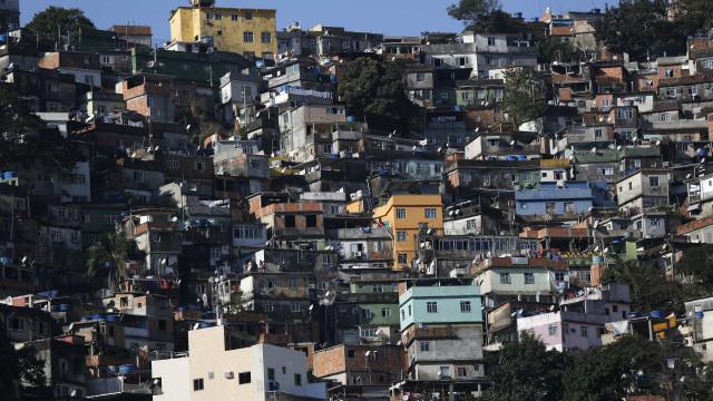 Turista espanhola baleada durante tiroteio na Rocinha