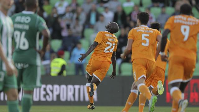 FC Porto vence nos Arcos e cura ferida europeia