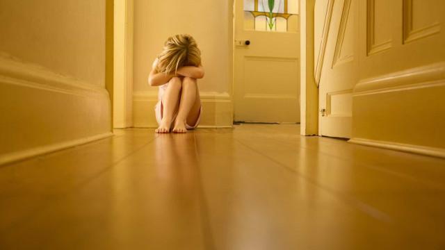Adolescente violada sete vezes descobriu que estava grávida