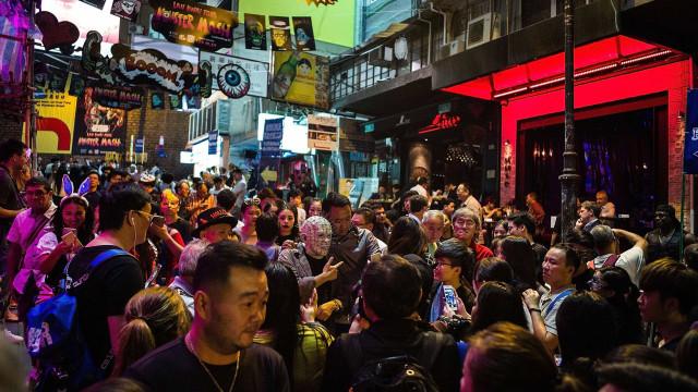 Hong Kong: Jovem morre dentro da diversão de uma casa assombrada