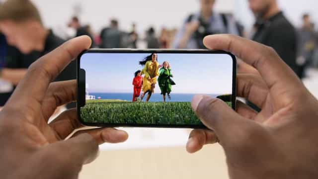 Ver vídeos no iPhone X será diferente do que está habituado