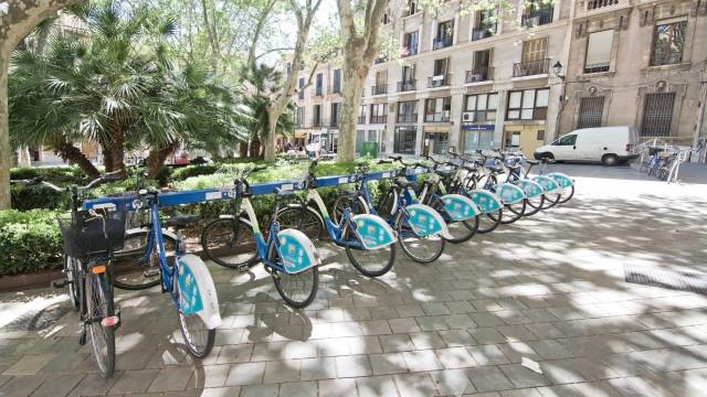 Bicicleta da rede Gira incendeia-se em Lisboa sem provocar feridos