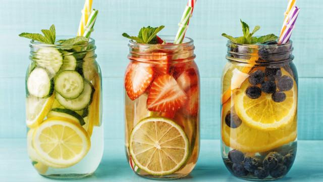 As 'águas detox' que prometem dar-lhe mais saúde