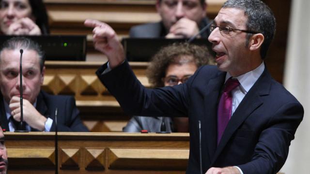 """""""Não é possível presidir ao Eurogrupo e depois prevaricar dentro de casa"""""""