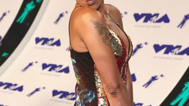 Mel B removeu tatuagem e guardou pedaço de pele numa jarra