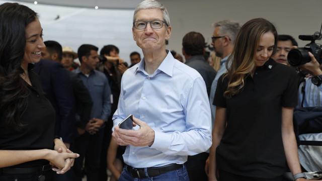 """Cook defende preço do iPhone X. """"É um valor razoável por esta tecnologia"""""""