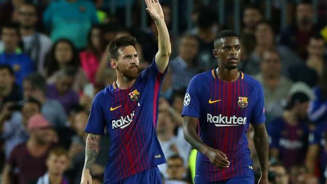 É oficial: Messi renova com o Barcelona