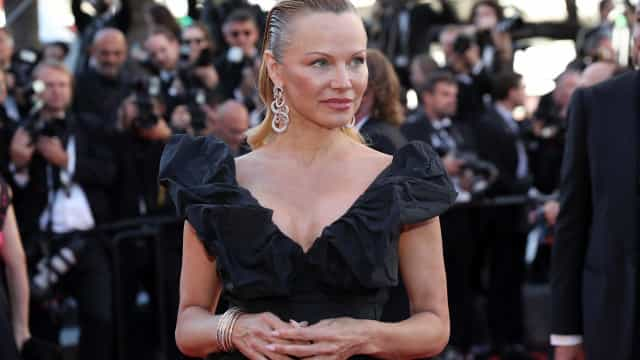 Pamela Anderson admite novo amor (19 anos mais novo)