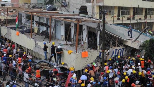 México: Equipas de resgate tentam há horas salvar menina de 8 anos