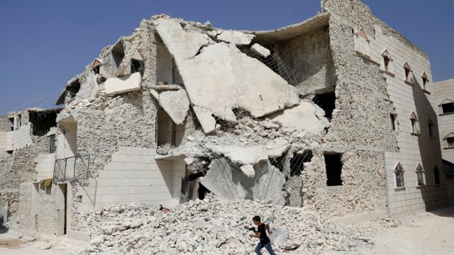 Síria: Encontrados 13 corpos de civis alegadamente mortos pelo regime