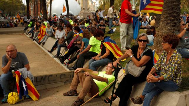 Catalunha: Manifestantes pedem libertação de políticos presos