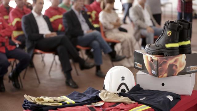 Solidariedade 'ofereceu' mil equipamentos de proteção aos bombeiros