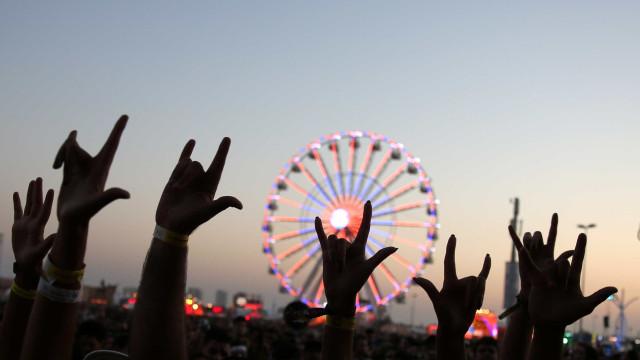 Calor desafia fãs dos Aerosmith no início da reta final do Rock in Rio
