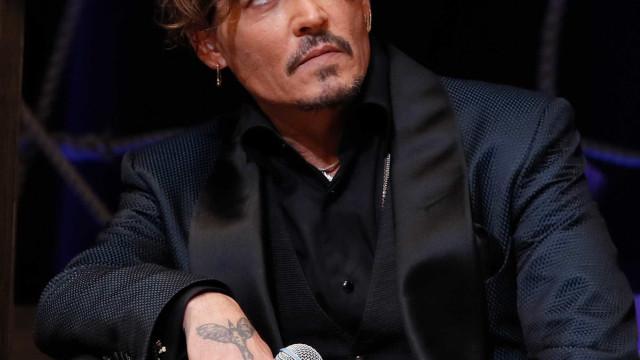 Johnny Depp tem nova namorada