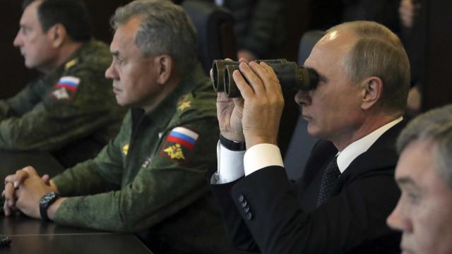 Rússia preocupada com escalada entre EUA e Coreia do Norte