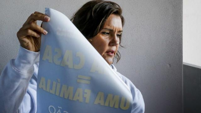 """Isabel Moreira sai em defesa de Cristas devido a foto """"sexista"""""""