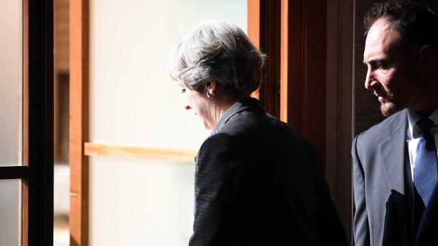 Brexit: May propõe período de transição de dois anos após saída britânica