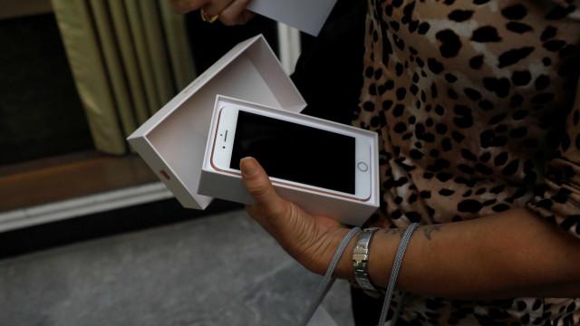 Lançamento 'morno' do iPhone 8 leva a corte na produção