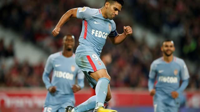 Goleada do Monaco pressiona Paris Saint-Germain