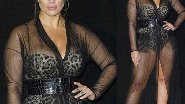 Ashley Graham arrasa com look transparente e lingerie leopardo