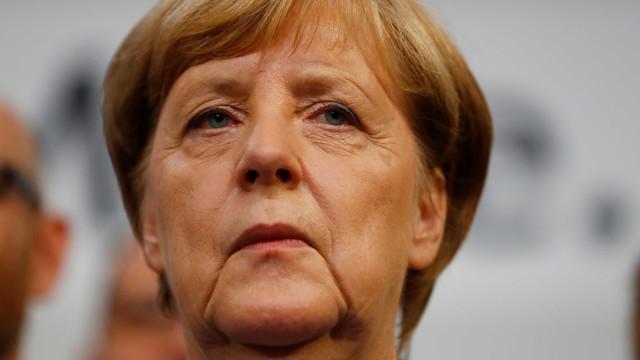 Vitória agridoce de Merkel, fantasma da extrema-direita e a tal 'Jamaica'