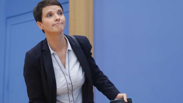 Rosto da extrema-direta alemã será deputada mas afasta-se do AfD