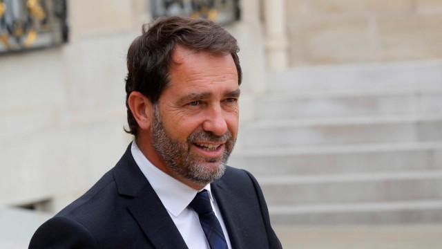 """Ministro denuncia """"deriva total"""" de protesto  dos """"coletes amarelos"""""""