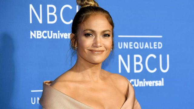 Jennifer Lopez doa um milhão às vítima do furacão