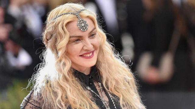 Em dia de festa, Madonna vai com o filho ao Zoomarine