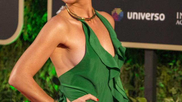 Paula Lobo Antunes volta a surpreender com foto em topless