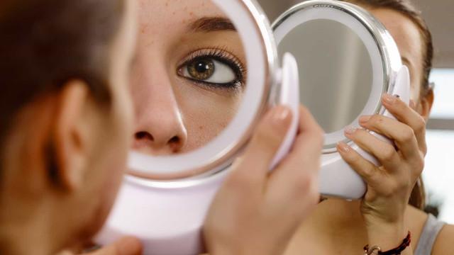 Aliar a contraceção ao tratamento da acne? Há uma nova opção