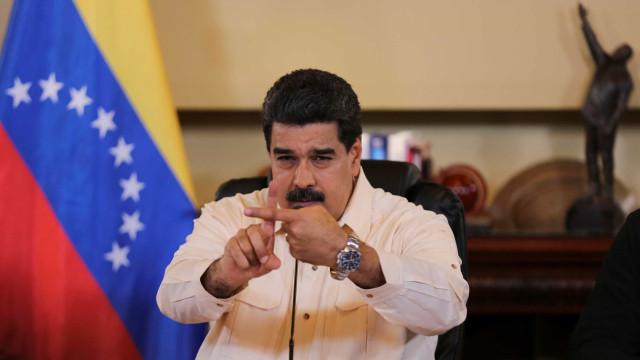 Maduro anuncia plano de medicina tradicional face à escassez de remédios
