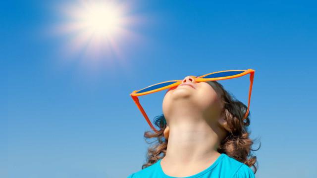 Verão, és tu? Temperaturas começam hoje a subir. Mas atenção aos raios UV