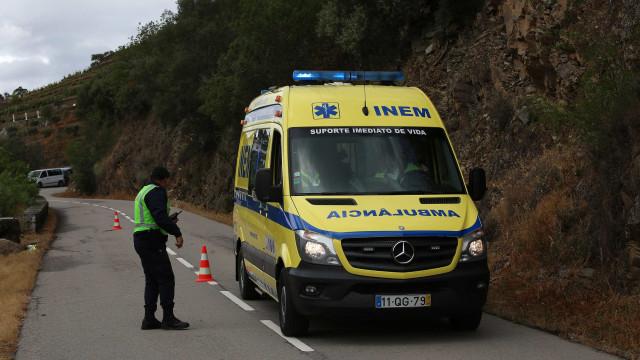 Dois feridos graves em despiste na EN329 em Vila Nova de Paiva