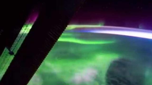 """Aurora boreal vista a partir do Espaço. """"Fiquei com o olhar preso"""""""
